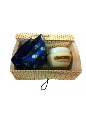 Boite cadeau en bois de bambou contenant crème au musc et morceaux de musc solides